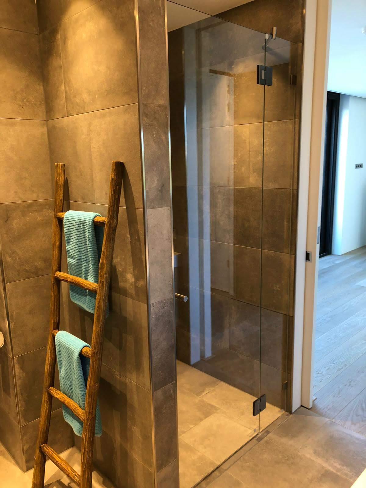 douchewand-met-deur-zwart-(2)